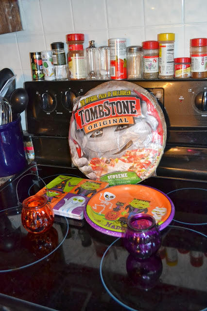 #ad #shop #TrickUrTreat #cbias Tombstone Pizza and Nestle Candy