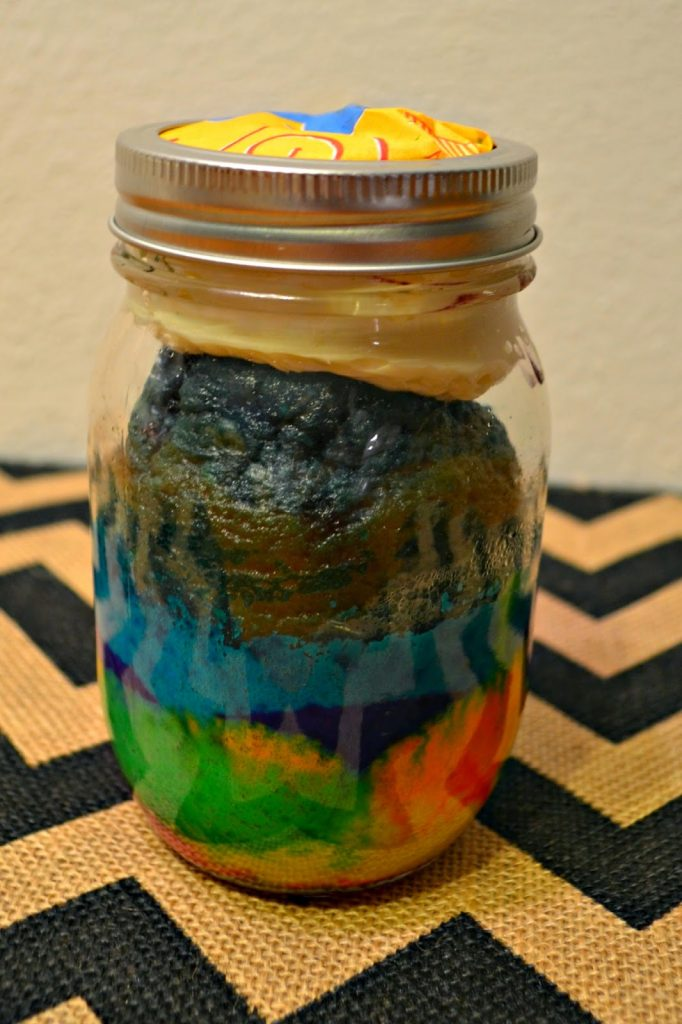 DIY: Rainbow Cake in a Mason Jar #recipe