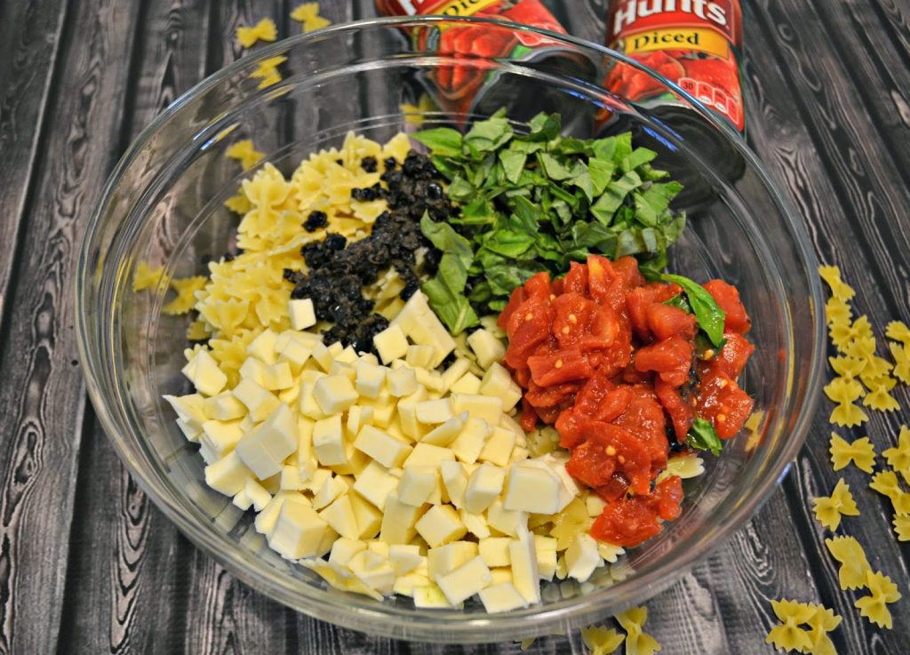 tomato recipe, Summer Recipes, recipe with tomatoes, easy cooking, recipes for tomatoes, best canned tomatoes nutritional value of tomatoes, Caprese Pasta Salad recipe.  Recipes.  Summer Salad recipes.