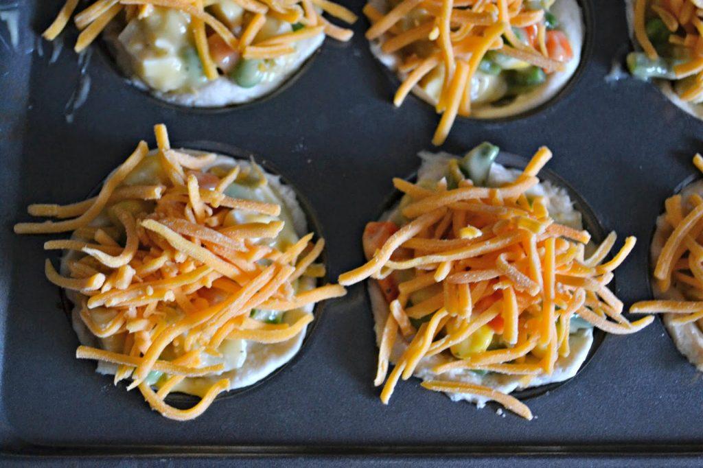 Mini Chicken Pot Pies #recipe. Chicken Pot Pie Recipe. Chicken Pot Pie Cupcakes. Toddler Friendly Recipes