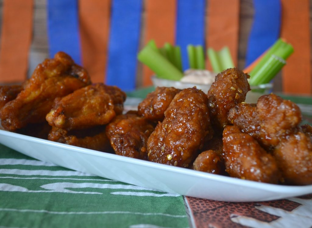 Deli Wings, Prepared Wings, Hot Wings, Fresh Wings, General Tso's Wings.  Hot Wing Dipping Sauce recipe.  Wing Sauce Recipe.  Easy Tailgating food.