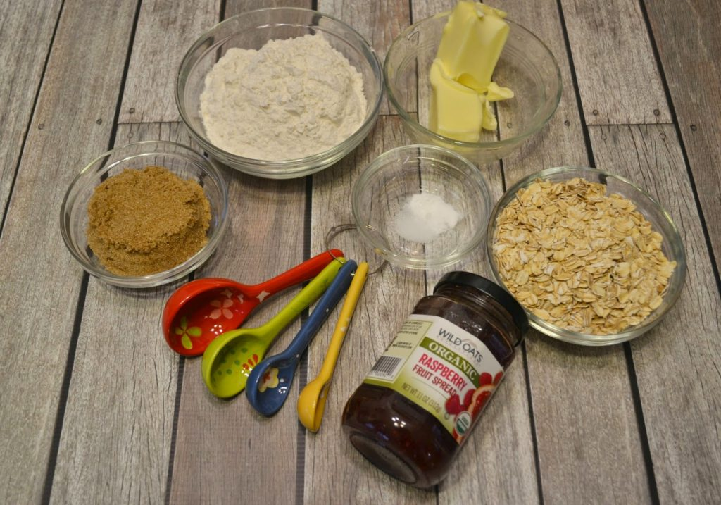 Raspberry Oatmeal Cookie Bar #Recipe & Wild Oats Prize Pack.  Oatmeal Cookie Bar recipe.  Recipes with Raspberry Jam.  Raspberry cookies.  Oatmeal cookies.  Wild Oats Marketplace