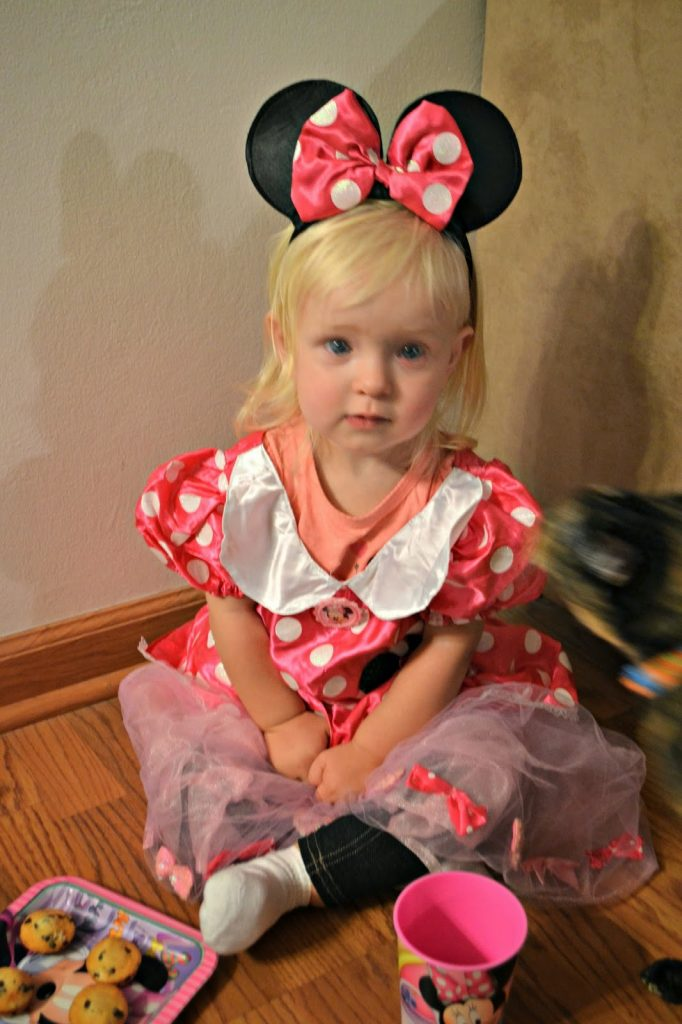 Disney Junior, Halloween Party Themes, Halloween Ideas, Halloween Costume, Kids Halloween Costumes, Doc McStuffins Costume, Sofia