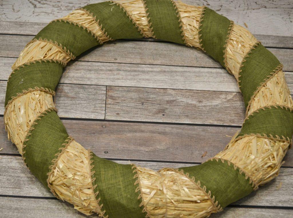 Harvest Door Wreath #DIY. Thanksgiving Door Wreath.  Easy Fall Door Wreath.  Easy Thanksgiving Door Wreath.  Easy Harvest Door Wreath.