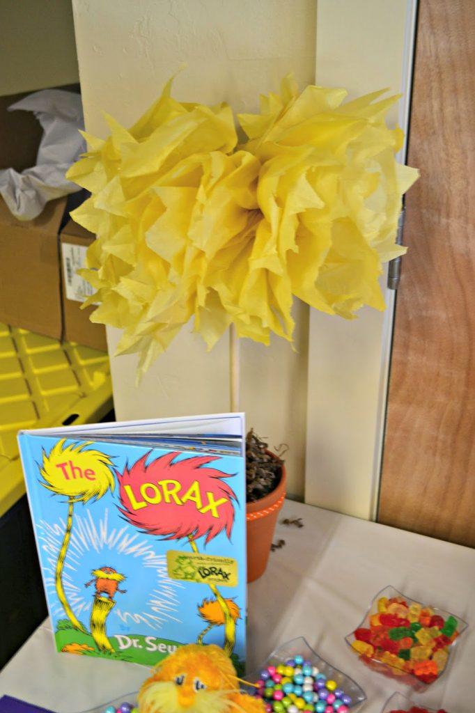 Lorax Birthday Party - Truffula Tree Centerpieces #DIY Lorax Birthday Decorations.  How to make Truffula Trees