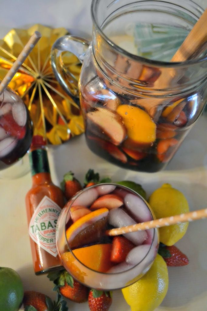Tangy Sangria #Recipe - Delicious Party Food holiday party recipes, delicious party food, party food tips Sangria Recipe.  Easy Sangria drink recipes.  Berry Sangria
