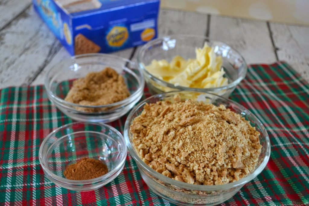 Peanut Butter & Jelly Pie #Recipe with Honey Maid Graham Crackers. Christmas houses.  Peanut Butter Pie Recipe. Honey Maid, Holiday Baking, Holiday Recipes, Baking with Graham Crackers, Easy Baking Ideas, Family Holiday Ideas, Gingerbread Houses, Graham Cracker Houses,