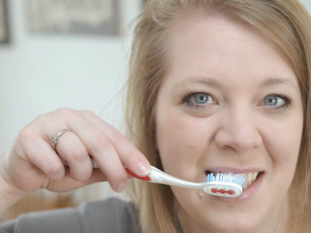 smile, white teeth, whitening, beauty, Optic White, Colgate, Express White, toothpaste