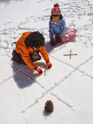 Fun Snow activities for kids.  Snow day ideas.  Snow Ice Cream.  Snow volcano.  Snow paint. Rainbow Ice Sun Catchers.  Snow Tic Tac Toe.  How to make Frozen Bubbles.  Snow Potatoheads.  Glowstick fun.