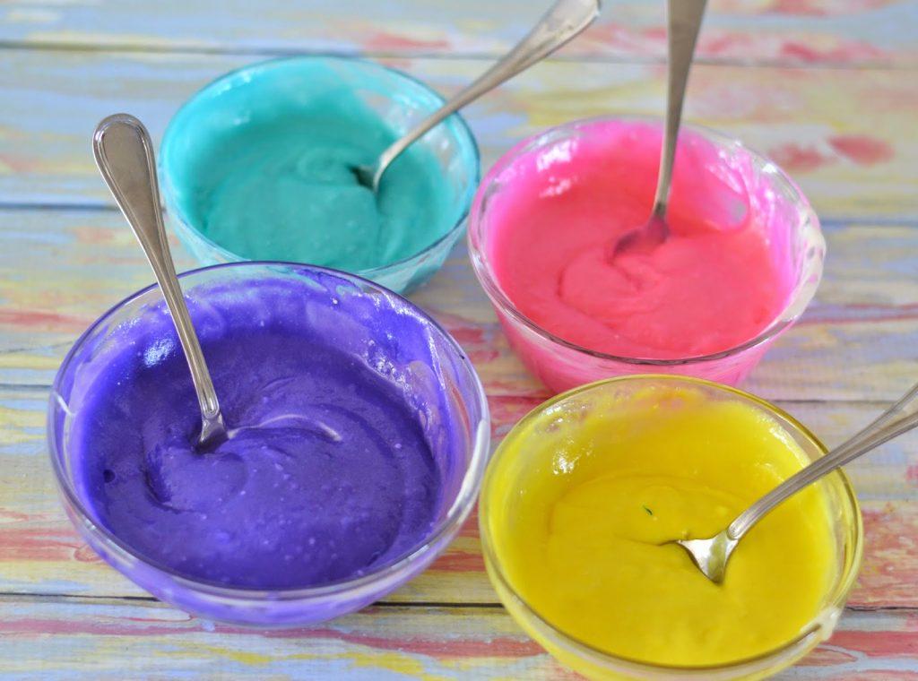Colorful Mini Bundt Cakes #Recipe.  Easter Brunch Ideas.  Tie Dyed Cakes.  Spring Cakes.  Mini Bundt Pans.  Mini Bundt cakes. Springtime Mini Bundt Cakes #Recipe
