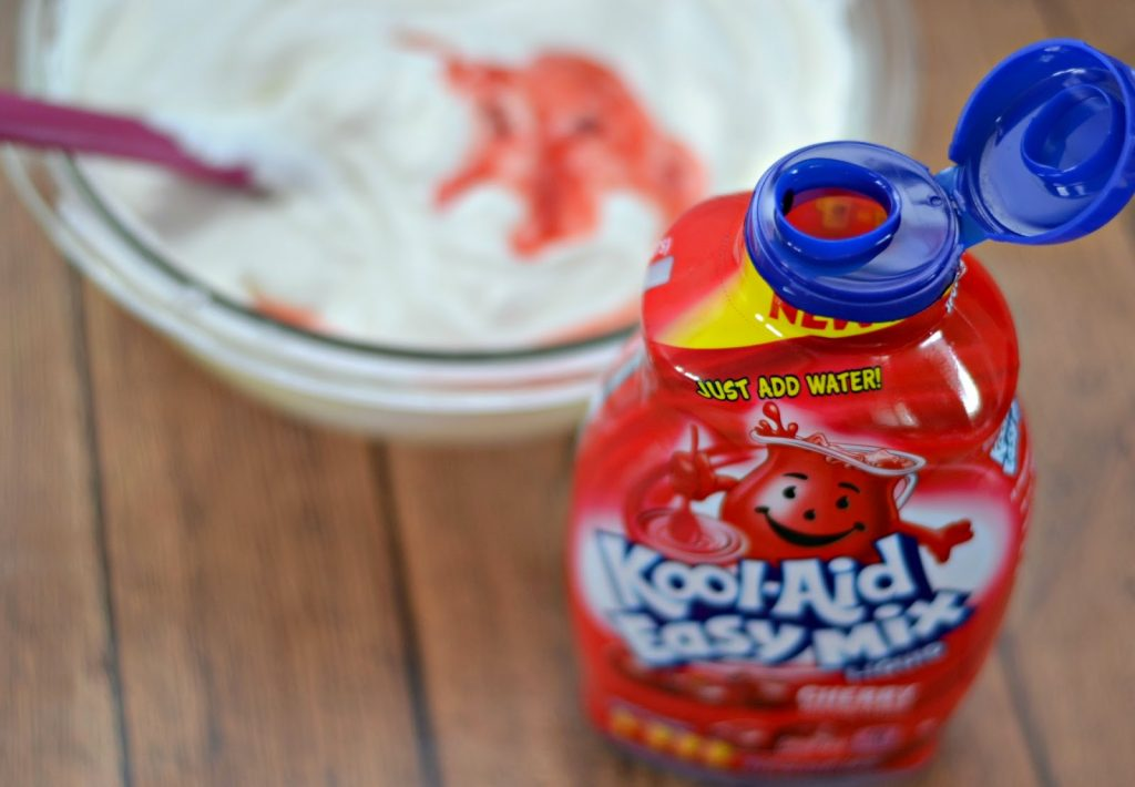 Kool Cherry Icebox Mini Pies #Recipe, Kool-Aid Easy Mix Liquid, Desserts with Kool-Aid, Kool-Aid Icebox Pies, Easy Icebox Pie Recipes.