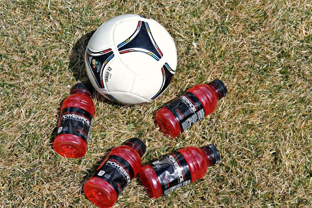 Sideline Hero with POWERADE®, soccer snack ideas, POWERADE® coupon, soccer mom snacks, snack ideas for soccer games, healthy snacks for game day