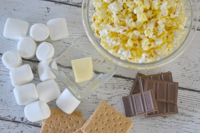 S'Mores Popcorn, S'mores desserts, easy dessert popcorn, S'Mores, S'Mores Summer, S'Mores Party, Summer Get-Together, Summer Party, Weeknight Dessert, Quick, easy solution for summertime weeknight meals, get-togethers, BBQs, parties