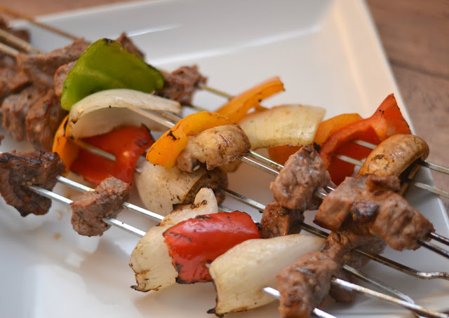 Steak Shish Kabob #Recipe, kabob recipes, easy steak recipes, grilling out recipes, summer grilling recipes, Father's Day, Grilling, Charcoal, Kingsford, The Home Depot