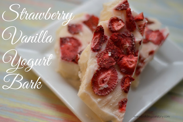 Strawberry Vanilla Yogurt Bark #Recipe, healthy dessert recipes, recipes with Greek Yogurt, Yogurt bark recipe, bark recipes, yogurt in desserts