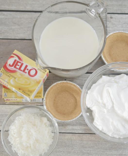 Easy Coconut Cream Mini Pies, coconut cream pie recipes, easy coconut cream pie, mini pie recipes, Coconut pie recipes, easy pie recipes