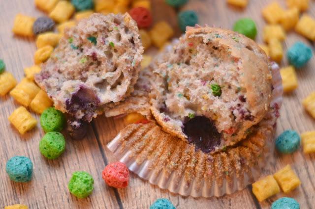 Crunch Berry Muffin #Recipe, Cap'n Crunch Muffins, Cap'n Crunch desserts, Greek Yogurt Muffins