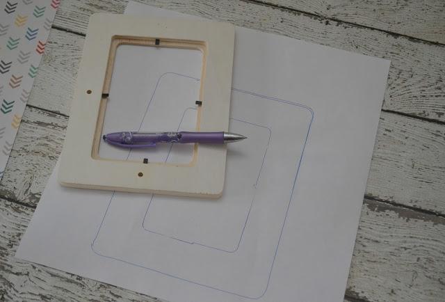 Make a Simple Mod Podge Picture Frame, DIY Picture frame, DIY Mod Podge frame, Easy Picture frame ideas, Wooden Picture frames.