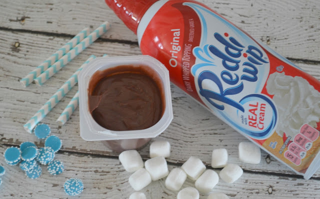 Snack Pack Pudding Cups, Snack Packs, Winter Snack Pack ideas, Winter Pudding Cups, Pudding Cup Mix Ins, Creative Winter Desserts, Hot Cocoa Snack Pack® Pudding Cups, Hot Cocoa pudding cups, Hot chocolate pudding cups