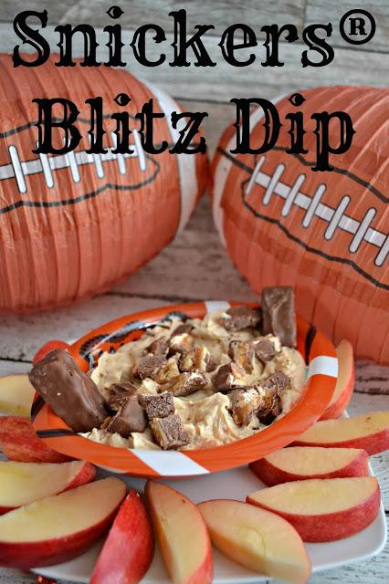 Game Day Snickers® Blitz Dip, Snickers® Blitz Dip, superbowl desserts, game day desserts, easy recipes for superbowl, game day food, Snickers dip, snickers yogurt dip, yogurt dip