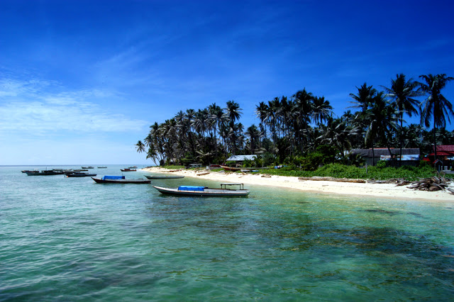 3 Of The World's Most Secluded Beaches, island vacations, beach trips, beaches to visit