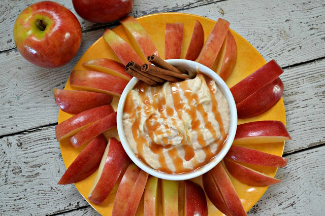 Caramel Cheesecake Dip, Caramel Cheesecake Dip with Apple Slices. cream cheese dip, fruit dips, cream cheese apple dip, apple dip recipe, cheesecake dip recipe, caramel cheesecake apple dips, easy dessert recipes, weight watchers desserts, weight watchers Caramel Cheesecake Dip with Apple Slices,