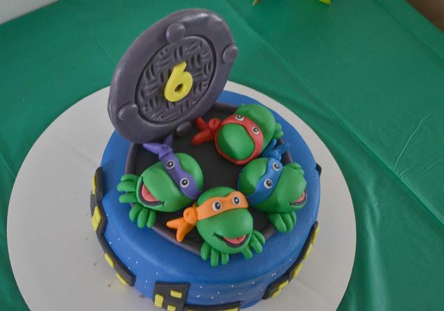 Teenage Mutant Ninja Turtle Birthday Party, Teenage Mutant Ninja Turtle Birthday, TMNT party ideas, Teenage Mutant Ninja Turtle Birthday ideas, Teenage Mutant Ninja Turtle Birthday decorations, decorations for Teenage Mutant Ninja Turtle Birthday,  Teenage Mutant Ninja Turtle paper lanterns, DIY TMNT decorations, Ninja Turtle veggie and fruit trays, Teenage Mutant Ninja Turtle Birthday food, food ideas for Ninja turtle party, ninja turtle cake, birthday cakes, TMNT birthday cake, Teenage Mutant Ninja Turtle Birthday cake, free Teenage Mutant Ninja Turtle table tents