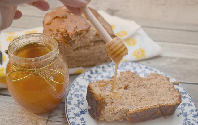 Honey Wheat Oatmeal Bread in a Jar, Honey Wheat Oatmeal Bread, bread recipes, honey wheat bread recipe, oatmeal bread recipe, bread in a jar, easy bread recipes, recipes using honey, honey as a cough suppressant, honeycomb recipes, DIY wellness basket, wellness basket, new years hostess gift, honey recipes