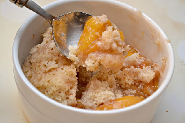 instant pot peach cobbler, peach cobbler in instant pot, peach cobbler recipe, instant pot desserts, instant pot dessert recipe, cobblers in instant pot, pressure cooker dessert recipes, pressure cooker desserts, pressure cooker peach cobbler, peach cobbler in pressure cooker, easy instant pot recipes