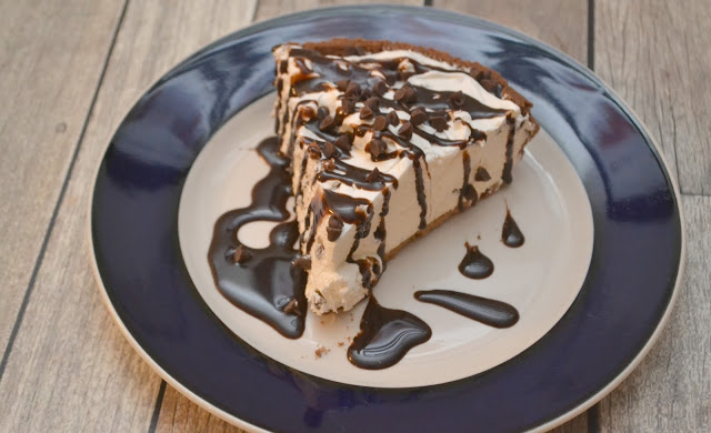 No-Bake Chocolate Chip Cheesecake, no-bake desserts, chocolate chip cheesecake, no-bake cheesecake, ice box pie, cheesecake recipes
