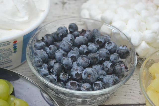 Blueberry Ambrosia Salad, Ambrosia salad recipes, Blueberry Ambrosia Salad recipe, easy fruit salad, summertime fruit salad recipe, summertime side dishes, blueberry salad, ambrosia salad, ambrosia salad recipes, easy ambrosia