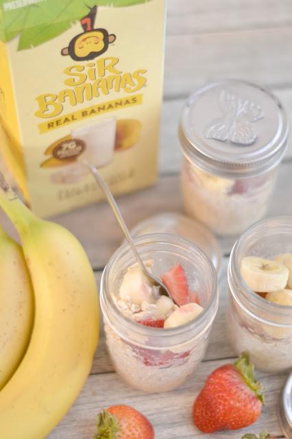 Strawberry banana overnight oats, overnight oats recipe, easy overnight oats, strawberry bananamilk overnight oats, how to make overnight oats, banana overnight oats, easy breakfast recipes, easy breakfast ideas for kids, Sir Bananas Bananamilk