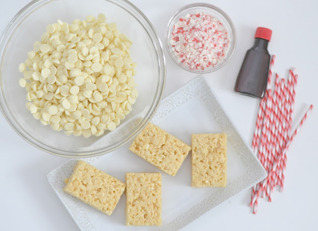 Peppermint Rice Krispie Treats, easy peppermint recipes, easy holiday treats, easy Christmas desserts, easy christmas recipes, christmas baking, Christmas rice krispies, Rice Krispies recipes, Peppermint Rice Krispie Treats recipe, Peppermint Rice Krispie Treats recipes