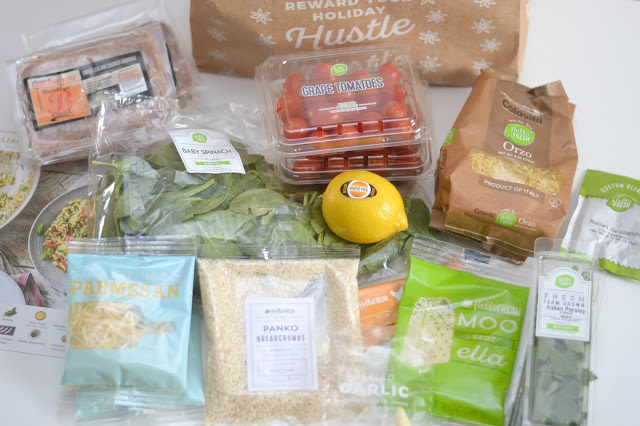 What is HelloFresh, HelloFresh Review, 6 Ways HelloFresh Will Change Your Family Meal Time, Reasons Why HelloFresh Will Change Your Life, Reasons Why HelloFresh Will Change Your Family meal time, Home delivery companies, HelloFresh or Blue Apron, Why HelloFresh, Trying HelloFresh, Family meals from HelloFresh