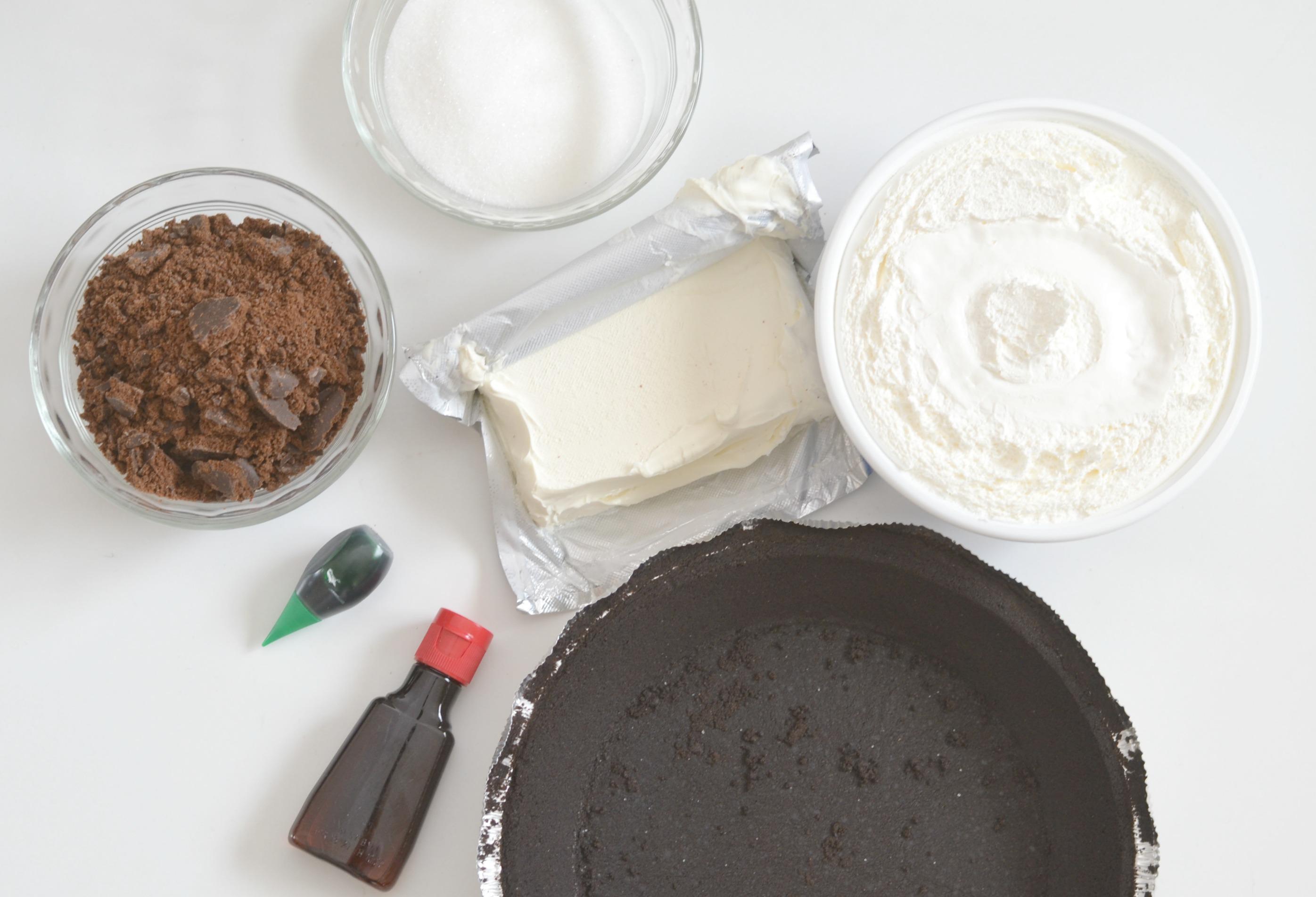 Thin Mint No Bake Cheesecake, easy no bake desserts, no bake cheesecake recipes, thin mint girl scout cookie recipes, using thin mints in recipes, best cheesecake recipes, best no bake dessert recipes