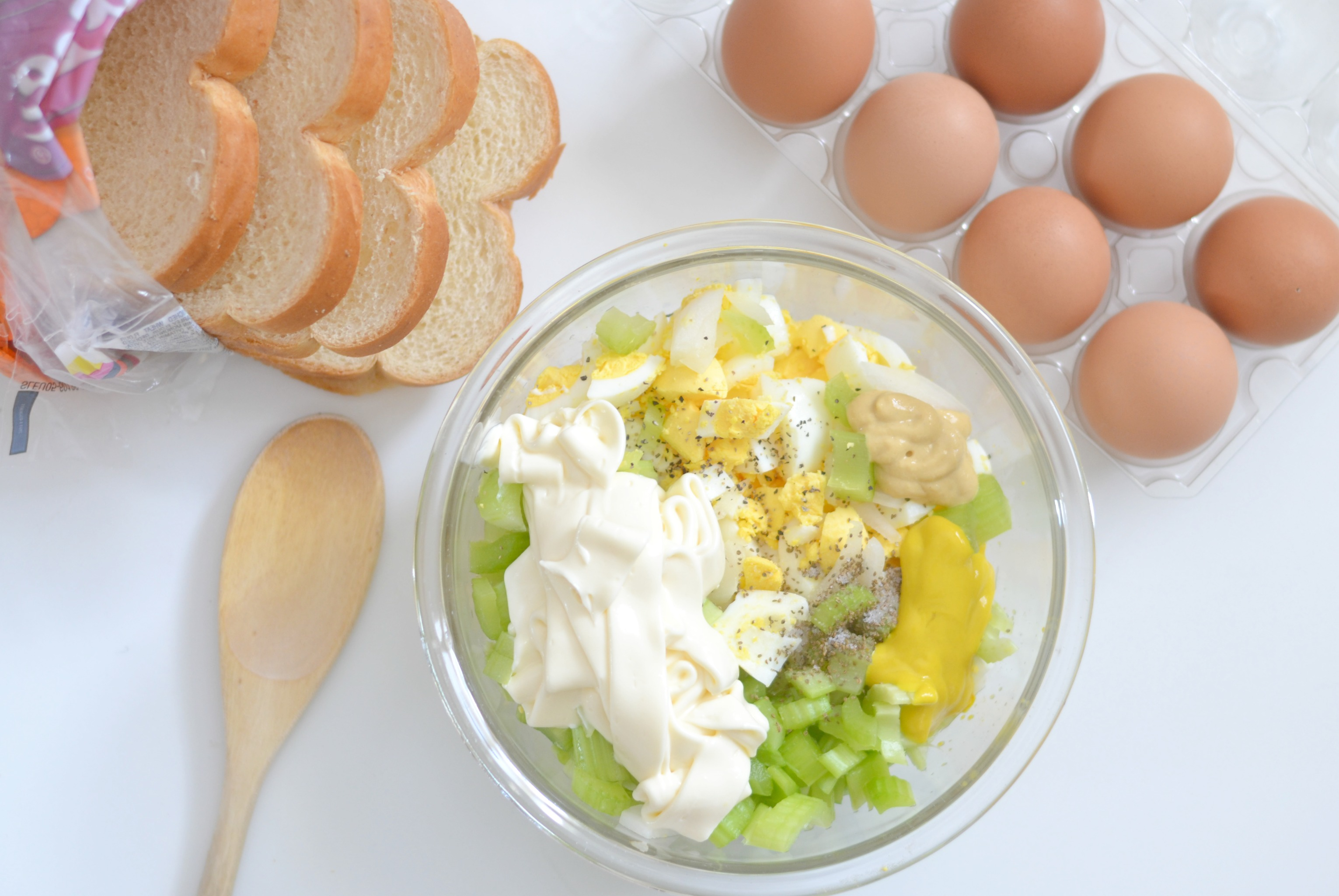 Easy & Delicious Egg Salad, egg salad recipe, egg salad, easy egg salad recipe, the best egg salad recipe, egg salad sandwich, how to make egg salad, sandwiches,