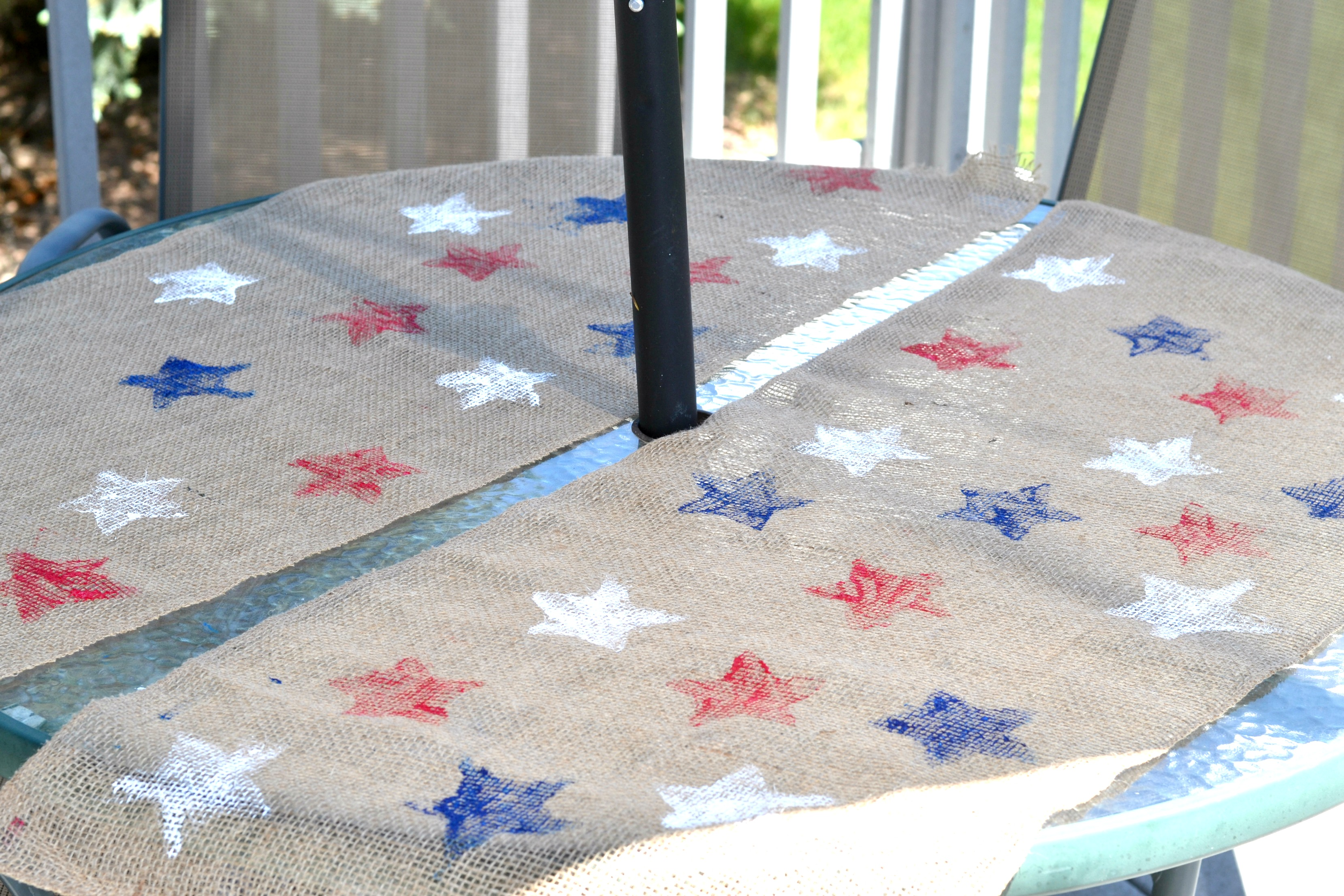 red, white and blue crafts, DIY table runner with stars, memorial day bbq decorations, easy memorial day decorations, easy 4th of july decorations, 4th of july table runner