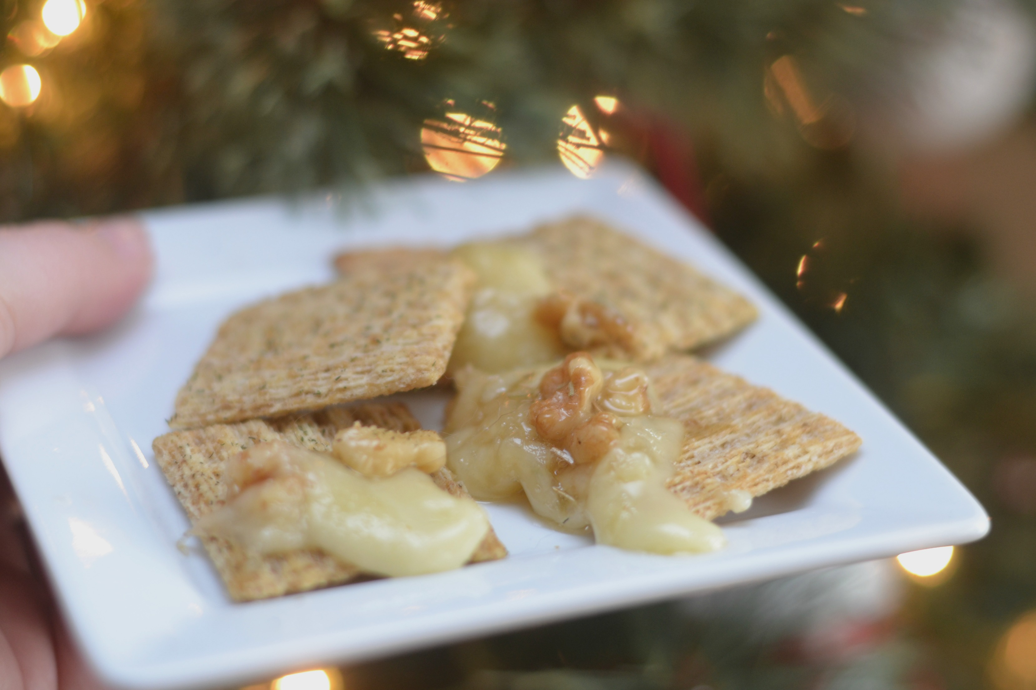 baked brie recipe, honey walnut baked brie, baked brie, brie recipes, how to make a baked brie appetizer, holiday baked brie, holiday baked brie recipe, honey baked brie, easy baked brie recipes
