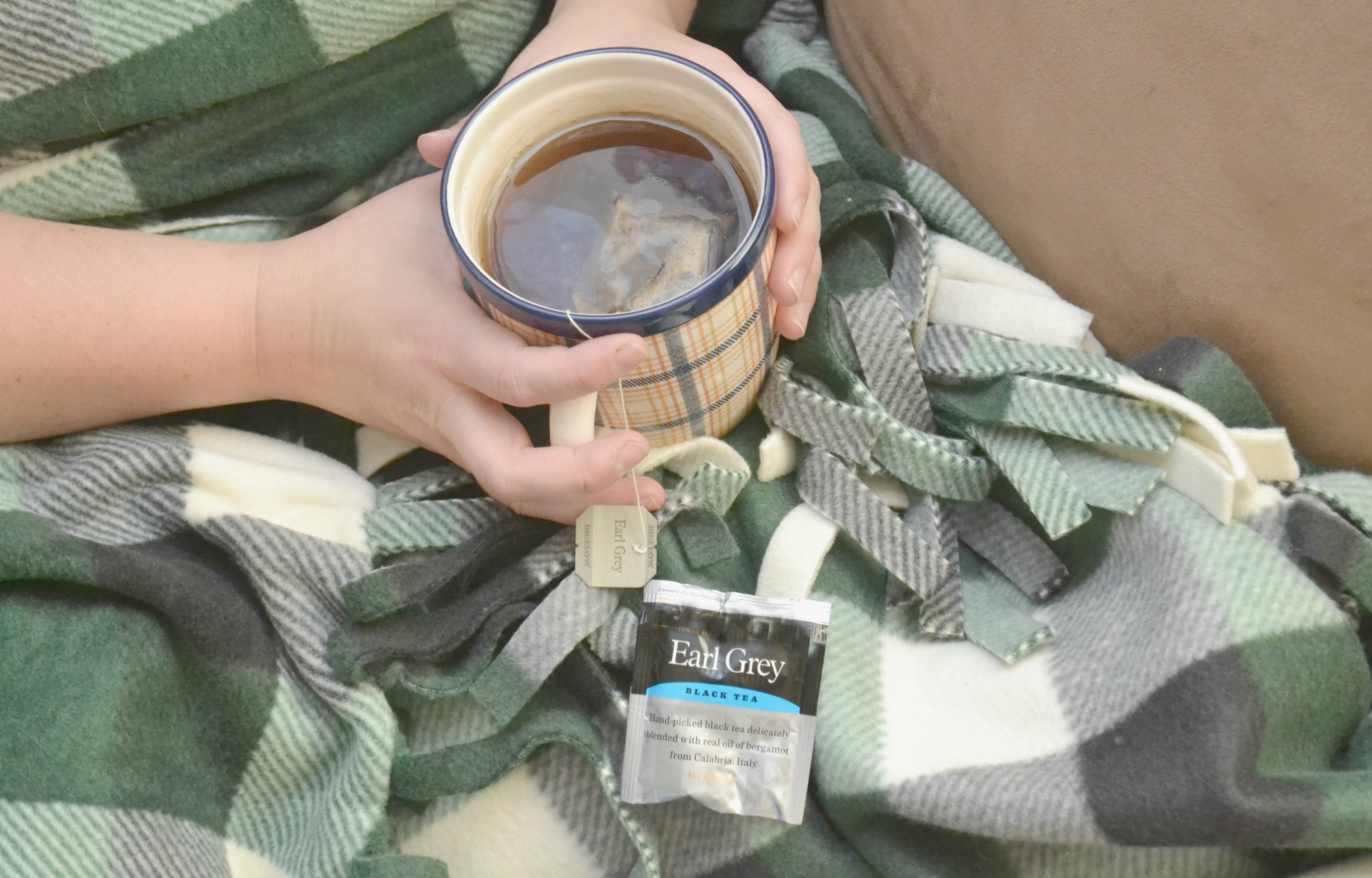 how to survive a mom cold, how to survive a cold, how to survive cold and flu season, moms do not have time to get sick, cold and flu tips, cold tips, tips for staying healthy this season