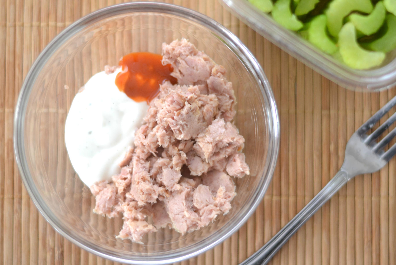 buffalo ranch tuna salad, easy tuna salad recipe, tuna salad recipe, spicy tuna salad, healthy snacks, buffalo ranch tuna dip, weight watchers snacks, weight watchers tuna salad